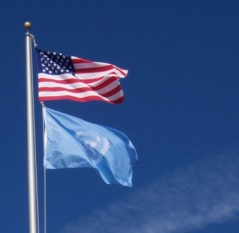 us-and-un-flags